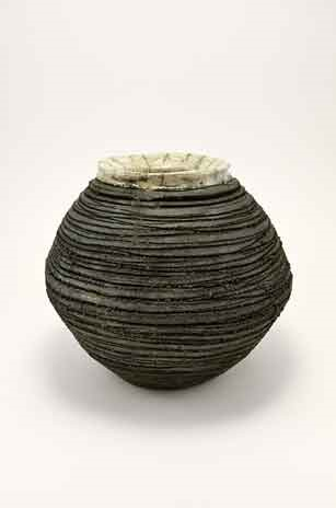 vase spherique rayures noires col blanc
